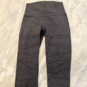 Never worn Lululemon Yoga Pants Black